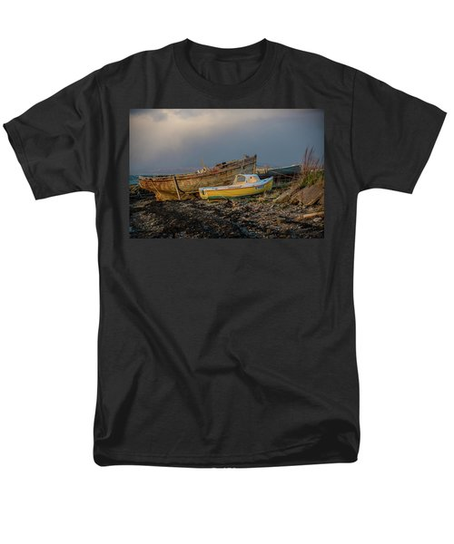 Men's T-Shirt  (Regular Fit) featuring the photograph  Sunset In The Highlands by Terry Cosgrave