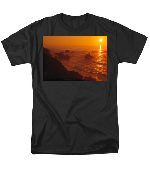 Sunset Over The Pacific Ocean Men's T-Shirt  (Regular Fit) by Utah Images