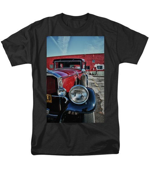 Men's T-Shirt  (Regular Fit) featuring the photograph 1931 Pierce Arow 3473 by Guy Whiteley