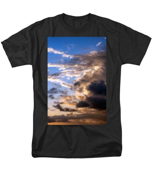 Men's T-Shirt  (Regular Fit) featuring the photograph a Good Morning by Allen Carroll
