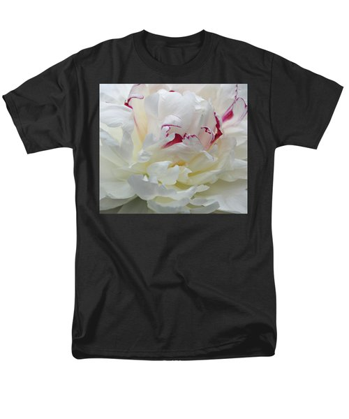 Men's T-Shirt  (Regular Fit) featuring the photograph A Touch Of Color by Sandy Keeton