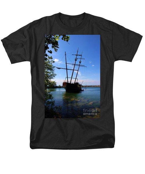 Abandoned Ship Men's T-Shirt  (Regular Fit) by Al Bourassa