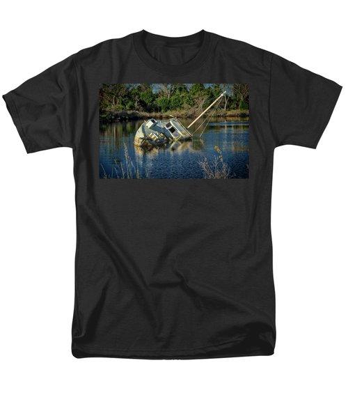 Abandoned Ship Men's T-Shirt  (Regular Fit)