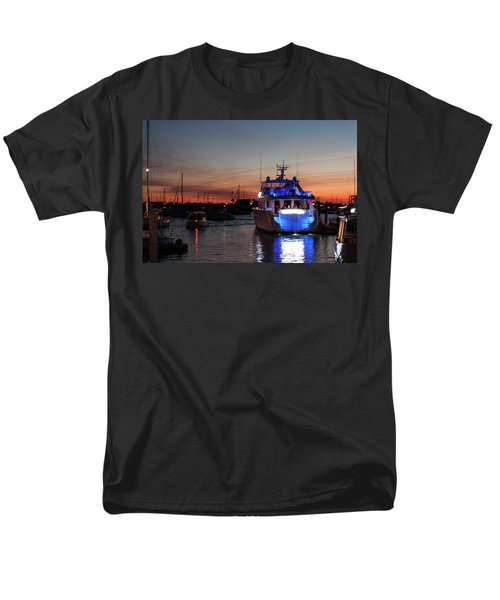 Men's T-Shirt  (Regular Fit) featuring the photograph An Evening In Newport Rhode Island II by Suzanne Gaff
