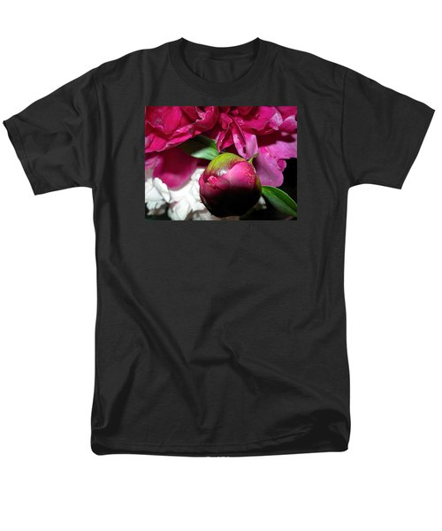Men's T-Shirt  (Regular Fit) featuring the photograph Anticipation by Randy Rosenberger