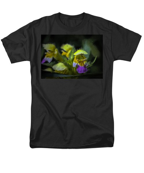 Men's T-Shirt  (Regular Fit) featuring the photograph Artistic Hover by Leif Sohlman