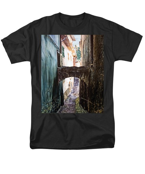 Balcony On The Arch Men's T-Shirt  (Regular Fit)