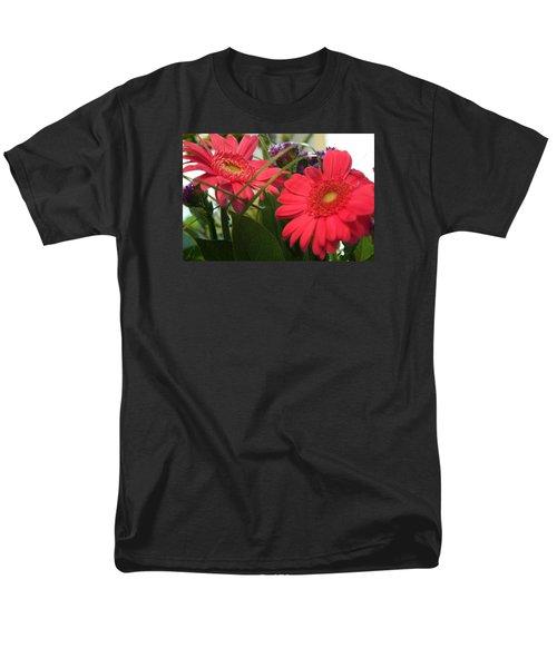 Beautiful Red Daisies Men's T-Shirt  (Regular Fit) by Karen Nicholson