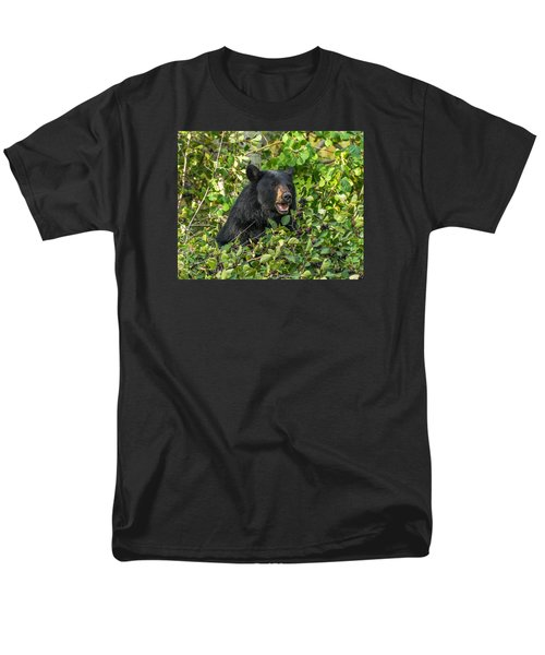 Men's T-Shirt  (Regular Fit) featuring the photograph Berry Good by Yeates Photography