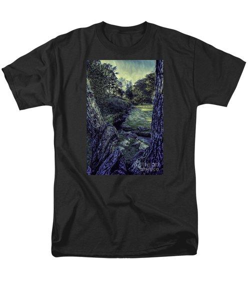 Between The Branches Men's T-Shirt  (Regular Fit)