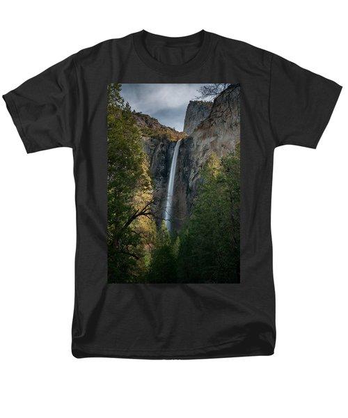 Bridal Veil Falls Men's T-Shirt  (Regular Fit)