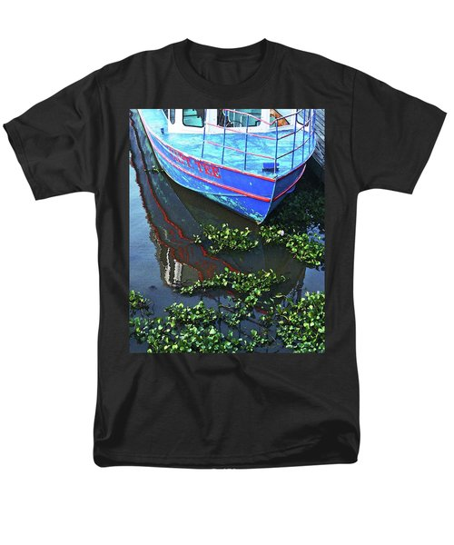 Cap'n Tee Henderson Swamp Men's T-Shirt  (Regular Fit) by Lizi Beard-Ward