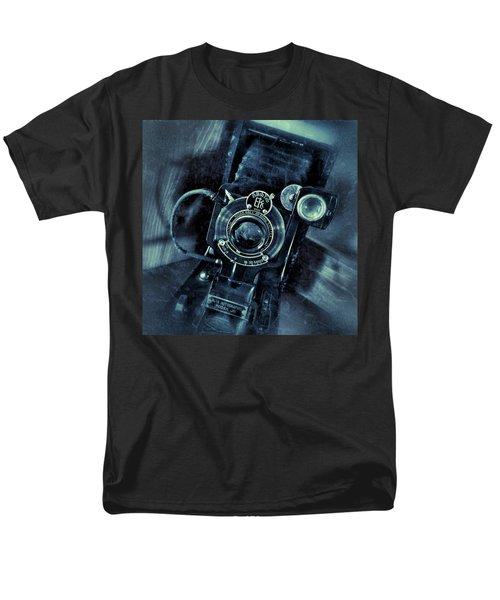 Captured Antique Men's T-Shirt  (Regular Fit)