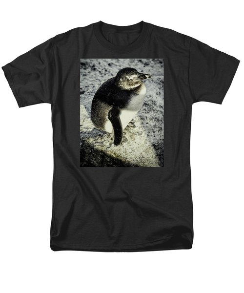 Men's T-Shirt  (Regular Fit) featuring the photograph Chillypenguin by Chris Boulton