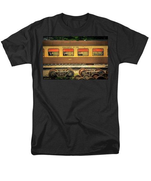 Cuban Train Men's T-Shirt  (Regular Fit)