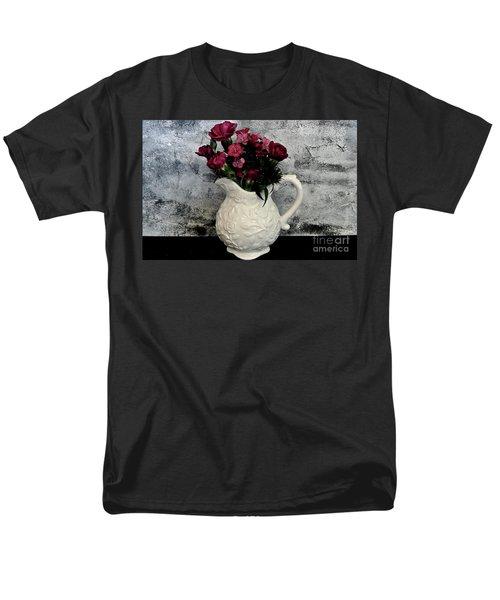 Dainty Flowers Men's T-Shirt  (Regular Fit)