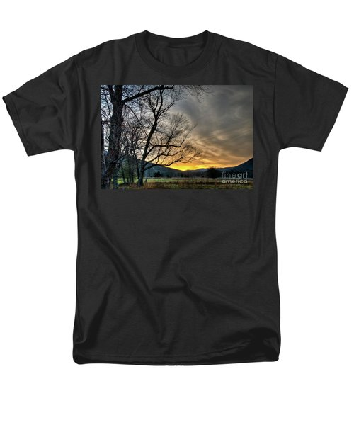 Men's T-Shirt  (Regular Fit) featuring the photograph Daybreak In The Cove by Douglas Stucky