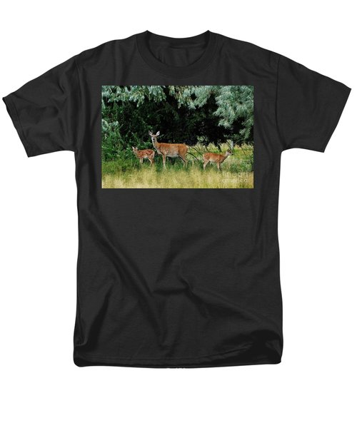 Men's T-Shirt  (Regular Fit) featuring the photograph Deer Mom by Larry Campbell