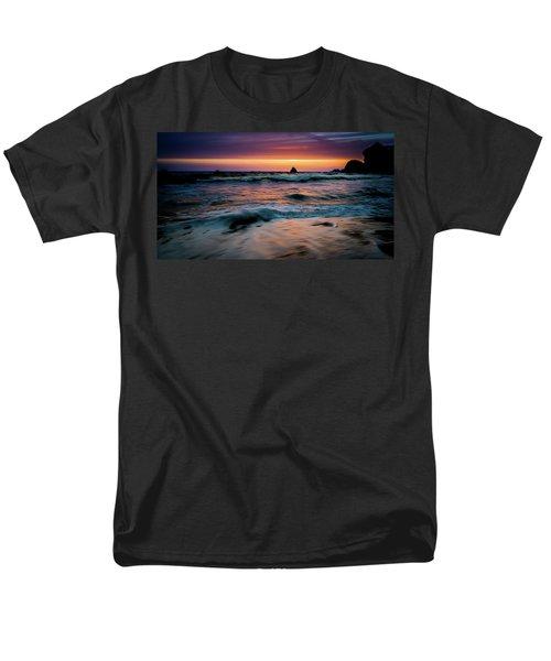 Demartin Beach Sunset Men's T-Shirt  (Regular Fit)