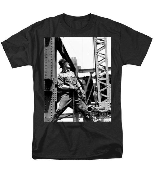 Derrick Man   Empire State Building Men's T-Shirt  (Regular Fit) by LW Hine