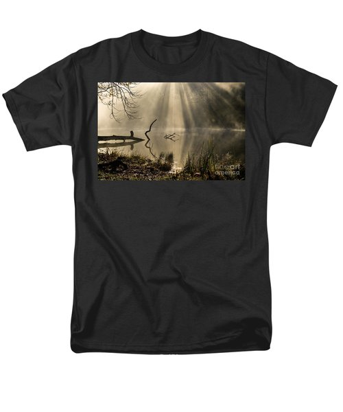 Men's T-Shirt  (Regular Fit) featuring the photograph Ethereal - D009972 by Daniel Dempster