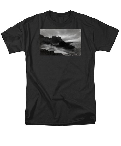 Men's T-Shirt  (Regular Fit) featuring the photograph Evening At Dunluce by Roy  McPeak