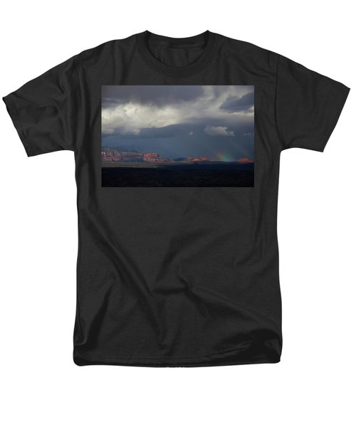Fat Ground Rainbow, Red Rocks Sedona Men's T-Shirt  (Regular Fit) by Ron Chilston