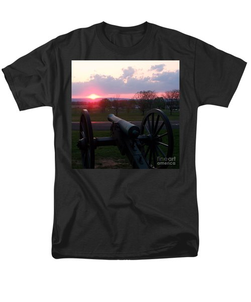 Gettysburg Cannon Men's T-Shirt  (Regular Fit) by Eric  Schiabor
