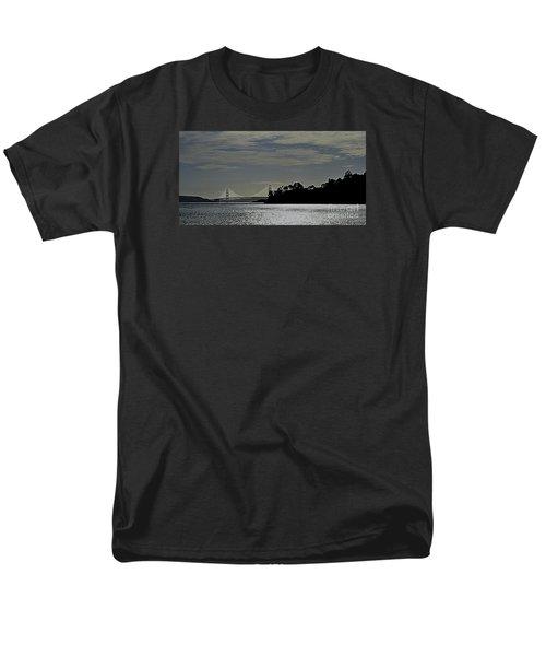 Golden Gate Bridge Men's T-Shirt  (Regular Fit)