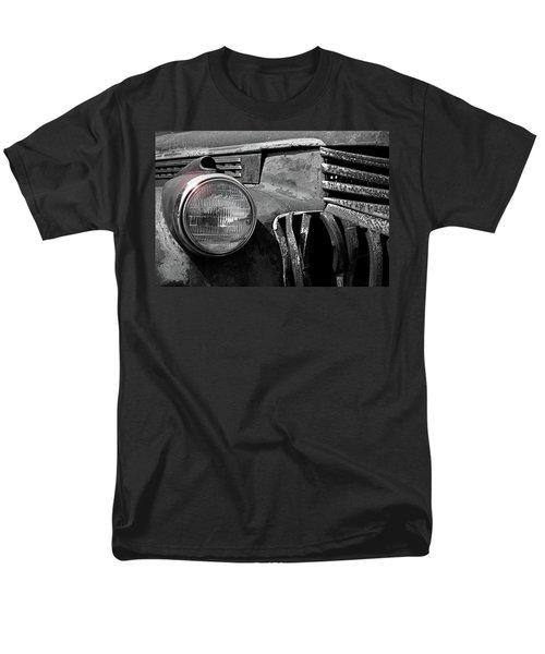 Men's T-Shirt  (Regular Fit) featuring the photograph Good Eye by Christopher McKenzie