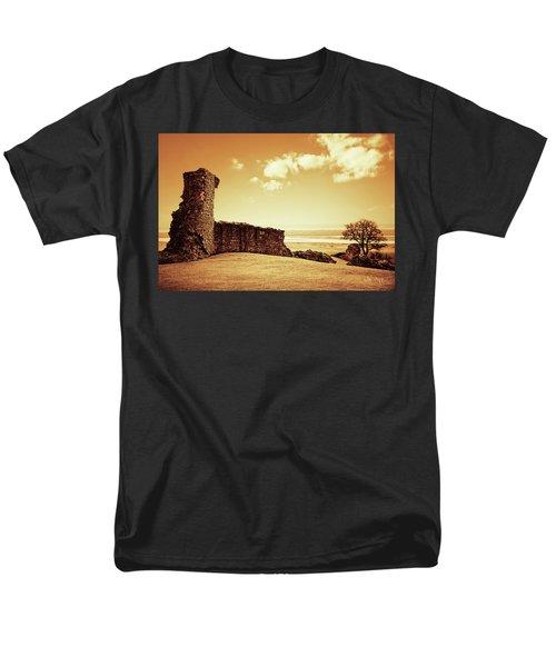 Hadleigh Castle Men's T-Shirt  (Regular Fit) by Joseph Westrupp