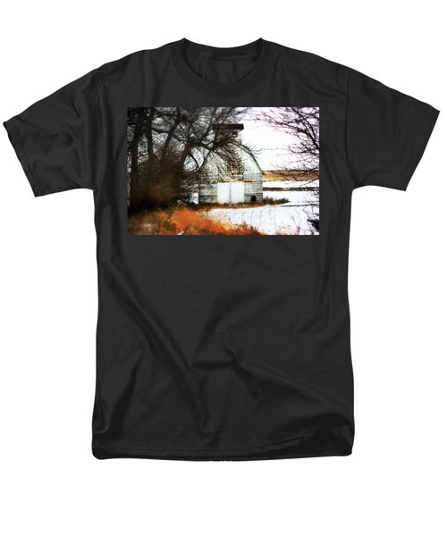 Men's T-Shirt  (Regular Fit) featuring the photograph Hello There by Julie Hamilton