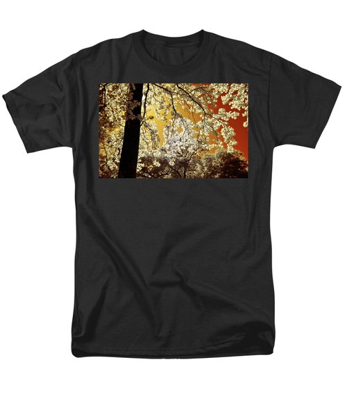 Men's T-Shirt  (Regular Fit) featuring the photograph Into The Golden Sun by Linda Unger