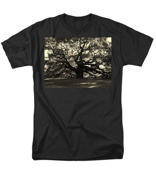 Last Angel Oak 72 Men's T-Shirt  (Regular Fit) by Susanne Van Hulst