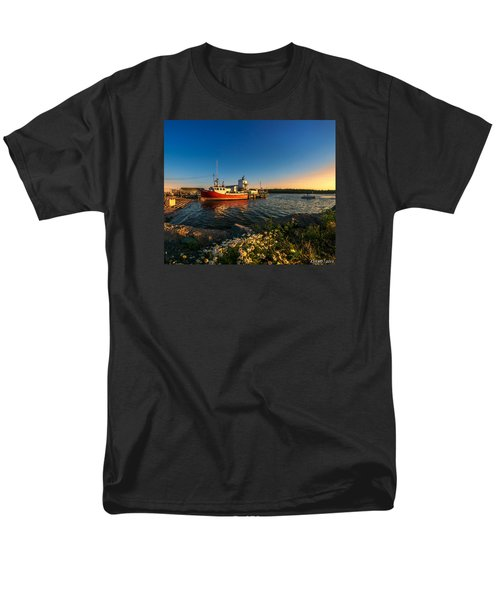 Late In The Day At Fisherman's Cove  Men's T-Shirt  (Regular Fit) by Ken Morris