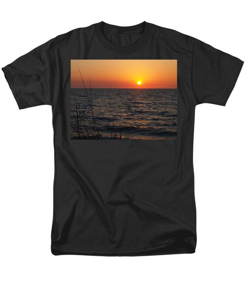 Men's T-Shirt  (Regular Fit) featuring the photograph Living The Life by Robert Margetts
