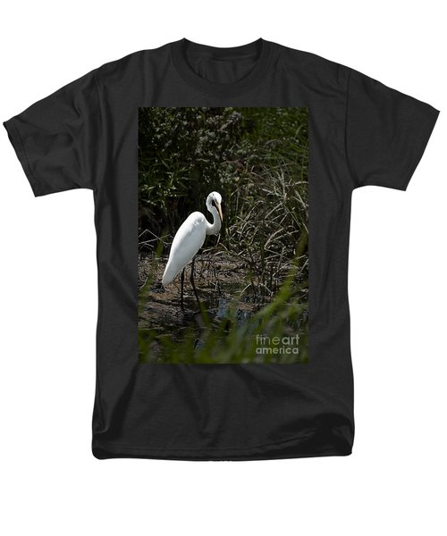 Men's T-Shirt  (Regular Fit) featuring the photograph Looking For Lunch by Tamyra Ayles