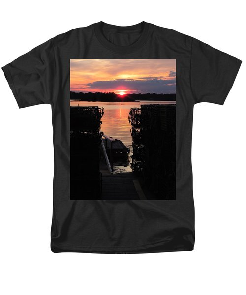 Maine Sunset And Traps Men's T-Shirt  (Regular Fit)