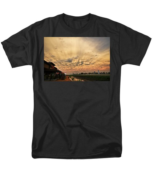 Men's T-Shirt  (Regular Fit) featuring the photograph Mammatus Over Yorkton Sk by Ryan Crouse