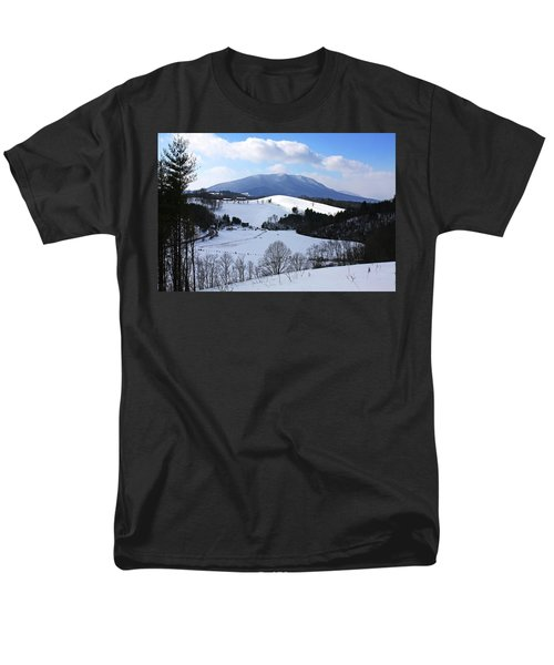 Mount Jefferson Winter Men's T-Shirt  (Regular Fit) by Dale R Carlson
