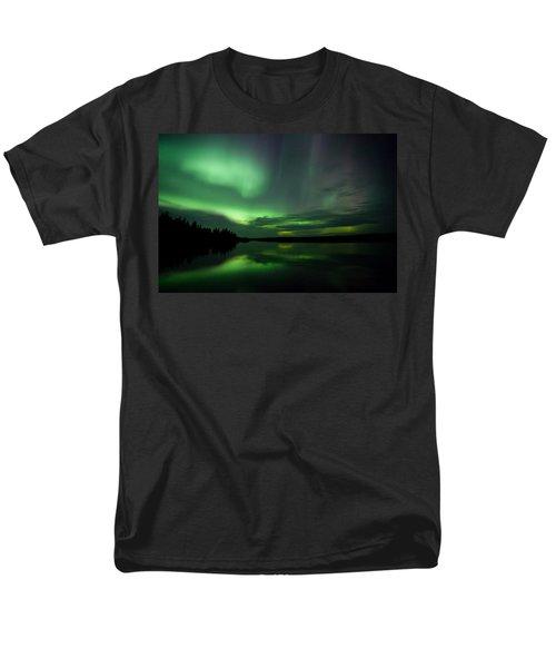 Men's T-Shirt  (Regular Fit) featuring the photograph Night Show by Yvette Van Teeffelen