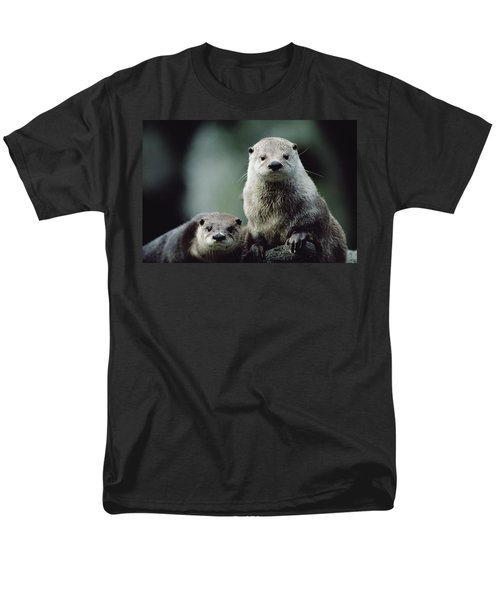 North American River Otter Lontra Men's T-Shirt  (Regular Fit) by Gerry Ellis