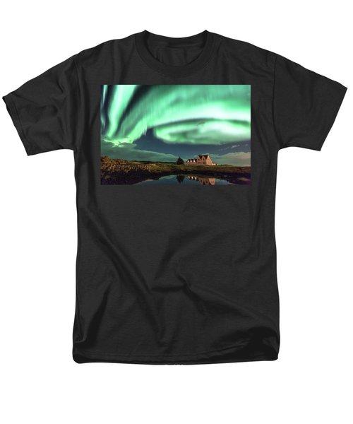 Northern Lights Men's T-Shirt  (Regular Fit) by Frodi Brinks