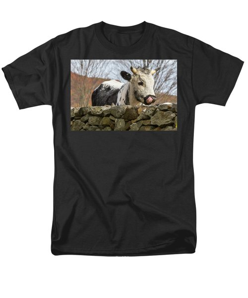 Men's T-Shirt  (Regular Fit) featuring the photograph Nosey by Bill Wakeley