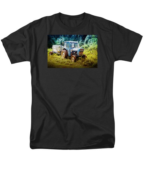 Old Blue Ford Tractor Men's T-Shirt  (Regular Fit) by John Williams