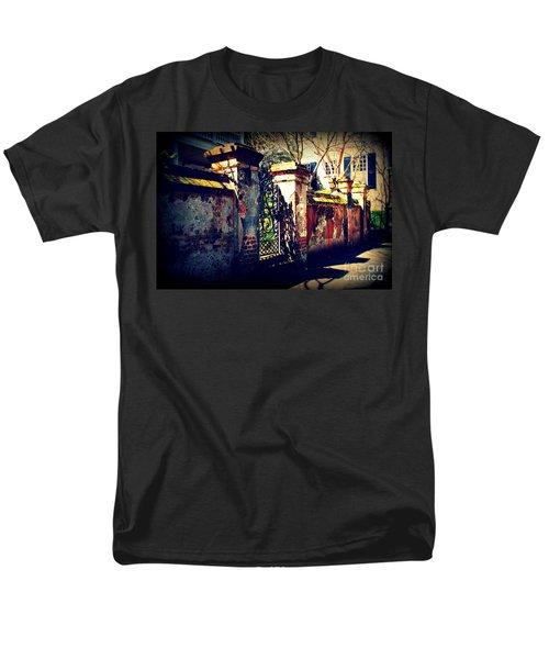 Old Iron Gate In Charleston Sc Men's T-Shirt  (Regular Fit) by Susanne Van Hulst
