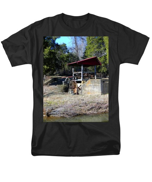Men's T-Shirt  (Regular Fit) featuring the photograph Old Mill Of Guilford Pumphouse by Sandi OReilly