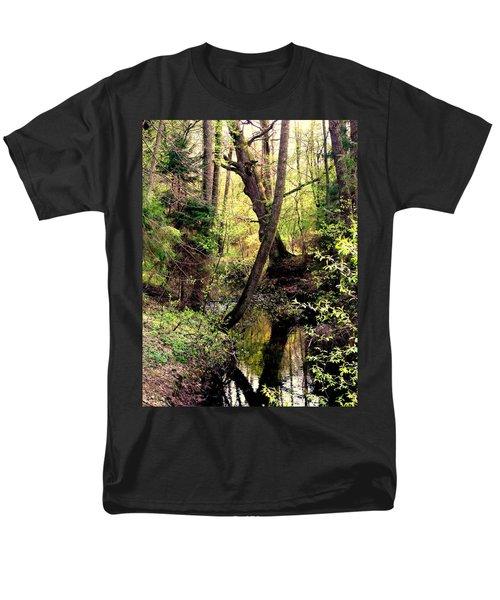 Old Oak Men's T-Shirt  (Regular Fit) by Henryk Gorecki