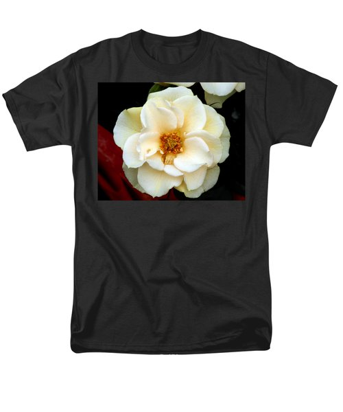 Men's T-Shirt  (Regular Fit) featuring the photograph Pale Beauty by Lynda Lehmann