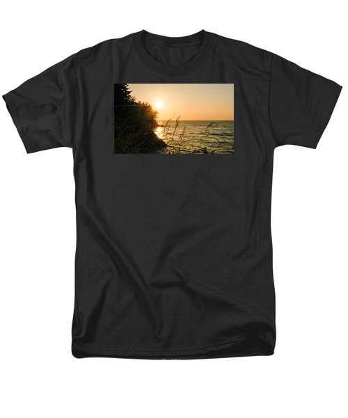 Men's T-Shirt  (Regular Fit) featuring the photograph Peaking Sunset by Monte Stevens